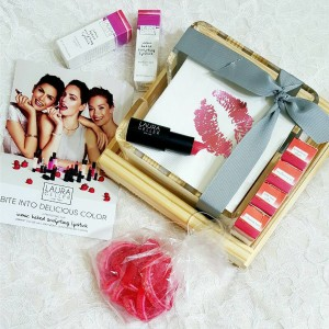 Package full of pretty is the lauragellerbeauty way beauty2share lauragellerhellip
