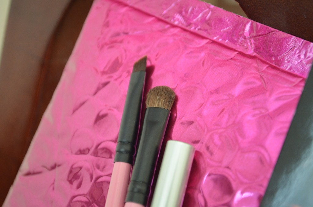 MyGlam All-Over Eyeshadow Brush & Eyeliner Brush from April glam bag