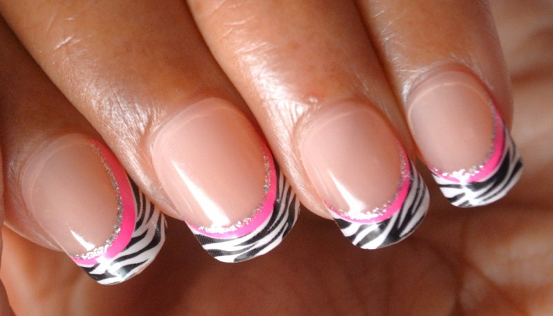 Impress Press-On Manicure - Sparkling Neon Pink Zebra