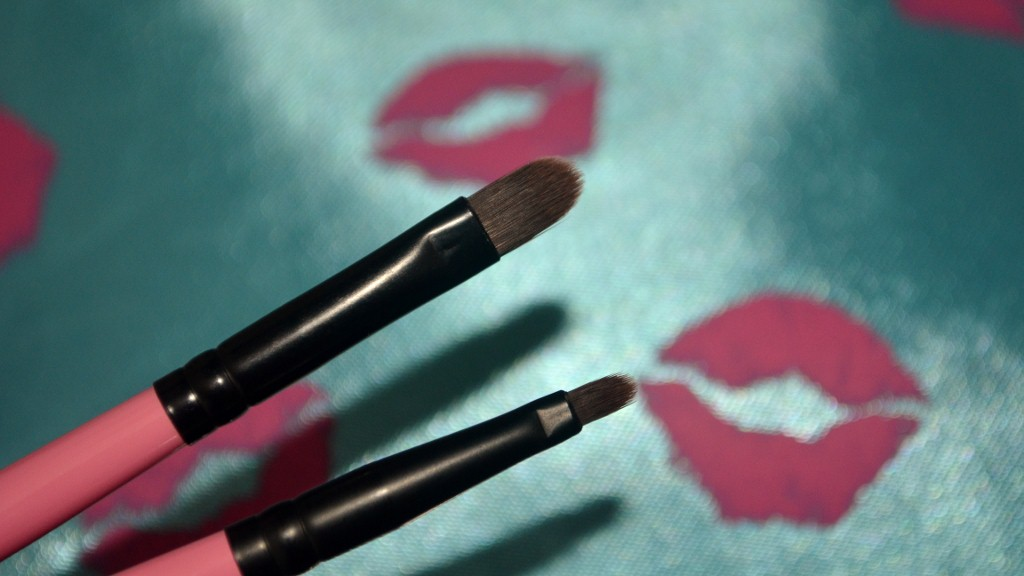 MyGlam May 2012 - Concealer & Defining Eyeliner Brush