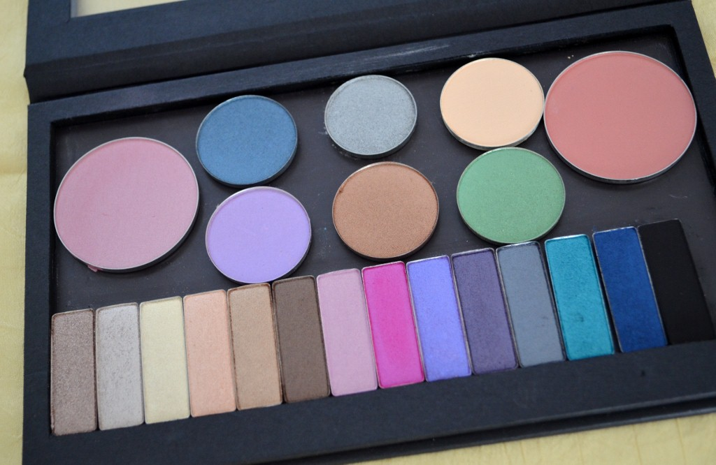 Ofra Cosmetics Magnetic Pro Eyeshadow Palette