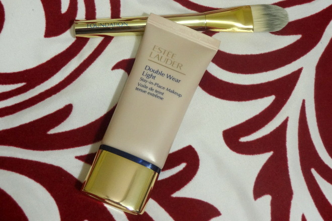 Estee Lauder Double Wear Light Foundation, Intensity 4.5