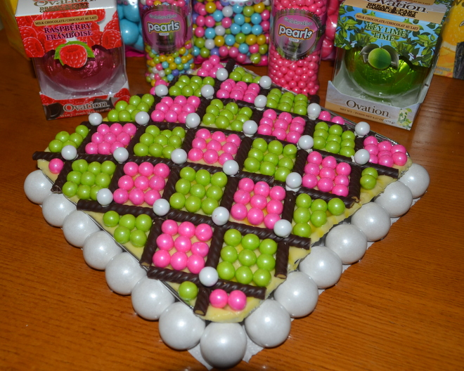 Pink & green Argyle cake