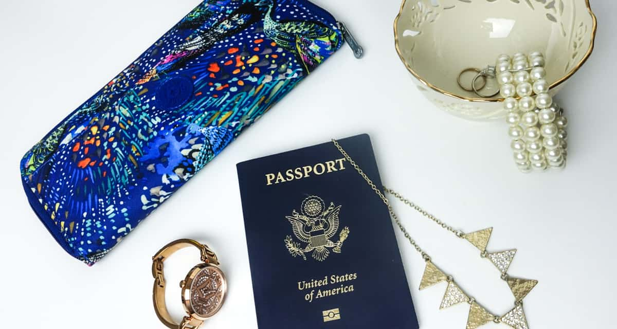 Keeping Jewelry Safe During Holiday Travel